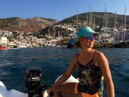 island hopping in greece the adventurous way go hitch sailing
