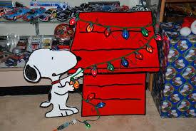 snoopy christmas dog house christmas doghouse