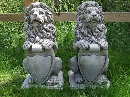statues de jardin en pierre avec lion lion en pierre pour décoration de jardin statue