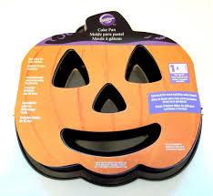 Halloween Cake Tins by Wilton Halloween Jack O Lantern Pumpkin Fluted Cake Pan New