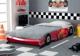 deco chambre garcon voiture lit voiture secret de chambre