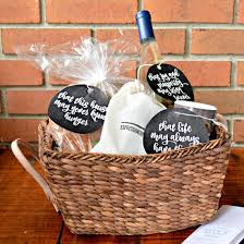 housewarming gift basket housewarming gift basket craftgawker