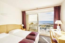 chambre vue mer chambres d hôtel à carnac plage avec vue sur la mer hôtel le plancton
