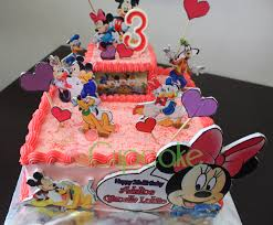 minnie mouse buttercream cake for adelia u0027s bday little miss cupcake