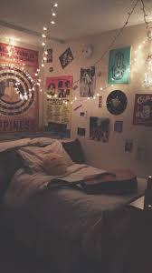 Artsy Bedroom by Více Než 25 Nejlepších Nápadů Na Pinterestu Na Téma Indie Dorm