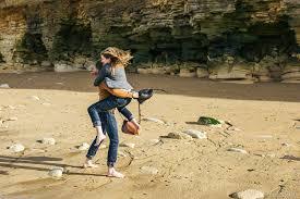 photographe mariage caen séance engagement en bord de mer à luc sur mer alain