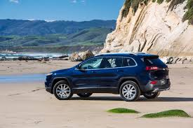 cherokee jeep 2014 report jeep cherokee sales nearing wrangler grand cherokee figures