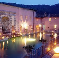 7 luxury villas tuscany italy