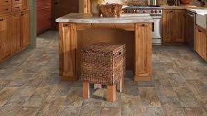 what color floor looks best with oak cabinets what color flooring goes well with golden oak cabinets