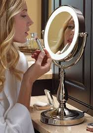 Small Vanity Mirror With Lights Emmy Joyce Emmyrjoyce On Pinterest