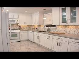 what tile goes with white cabinets kitchen backsplash ideas with white cabinets