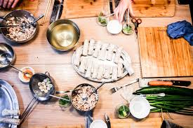 cuisiner chinois chinois ou chez toi cours de cuisine asiatique chez takimy
