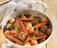 cuisiner le boeuf bourguignon recette de cyril lignac bœuf bourguignon