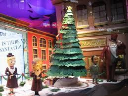 Macy S Christmas Decorations Christmas Windows In New York City