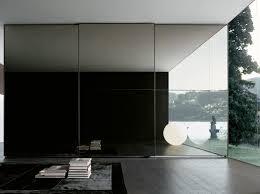 armadio con ante in vetro armadio in vetro con ante scorrevoli one armadio in vetro by