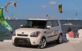 cube cars kia box car battle 2011 kia soul dominates nissan cube languishes in