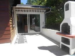 chambre d hote lacaune entrée de l espace balnéo chambres et table d hôtes le maloya