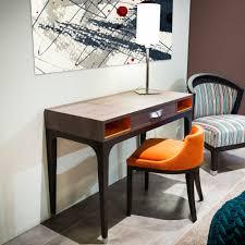 bureau dans chambre bureau pour chambre d hôtel modèle charme collinet