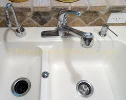 how to replace a kitchen faucet handymanhowto com