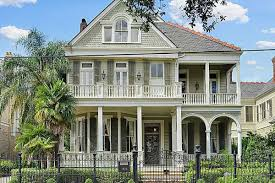 garden district mansion with