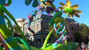disneyland pixar parade 2013 bugs