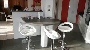 table cuisine sur mesure cuisine sur mesure en blanc brillant dans l ain par abema