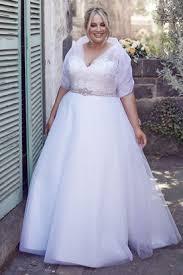 wedding dress for curvy wedding dresses for curvy brides affordable wedding