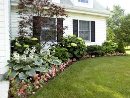 Front Yard Landscaping Ideas Pictures by Best 20 Ranch House Landscaping Ideas On Pinterest Ranch House