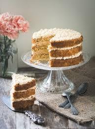 recette de cuisine cake recette de layer cake gâteau à étages à la noisette beurre meringué