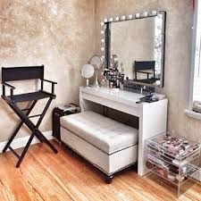 Bathroom Vanity With Seating Area by Best 25 Makeup Dresser Ideas On Pinterest Makeup Desk Makeup