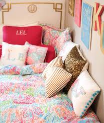 Preppy Bedroom Pillow Arrangement Our Dorm Room Pinterest