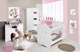 décoration chambre de bébé fille deco chambre bebe fille papillon visuel 1