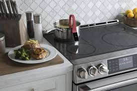 Slide In Gas Cooktop Ge Cafe Electric Slide In Range Lets You Sous Vide On The