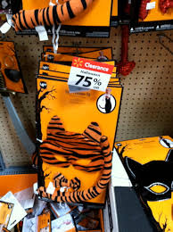 usa halloween 75 off halloween clearance at walmart great deals for next years