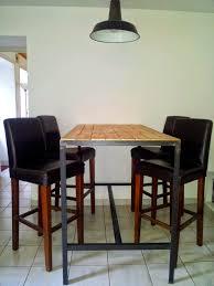 vernis table cuisine table haute fabrication artisanale cadre en acier brut noir et