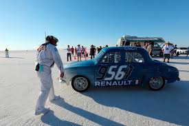 renault dauphine renault etolie filante and dauphine join forces at bonneville