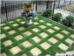 Sidewalk Garden Ideas Sidewalk Garden Design Garden Design Traditional Landscape Front