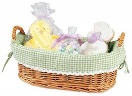 Gift Baskets With Free Shipping Save 40 On The Natural Wicker Basket With Green Liner Free