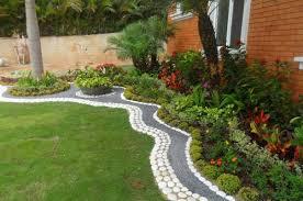 imagenes de jardines pequeños con flores decoración y diseño de jardines interiores modernos y mucho más