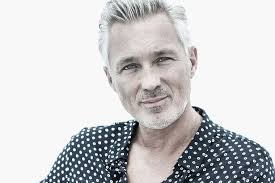 hairstyles brain surgery martin kemp i ve had two brain tumours and can t read a script