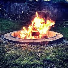 Cheap Backyard Fire Pit by 16 Easy And Cheap Backyard Fire Pit Diys That Will Inspire You