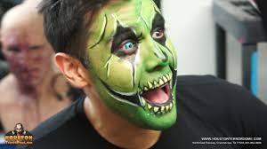 green halloween contacts ruben galvan from channel 2 news kprc trys colored contacts video