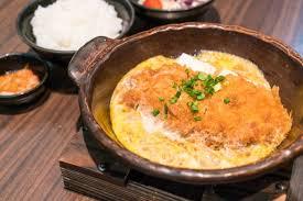 cuisiner les chignons de a la poele côtelettes de porc à la poêle à la poêle tonkatsu sautée aux oeufs