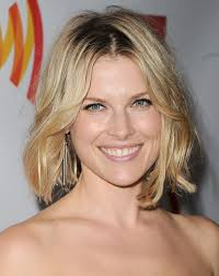 short curly bob hairstyles for round faces