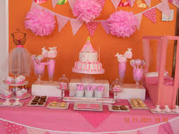 como decorar un baby shower awesome looked in big pink puff with