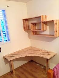Diy Study Desk Diy Pallet Corner Study Table Or Computer Desk Ideas Diy Study
