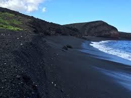 black sand beach hawaii the flavors of hawaiian beach sand hawaii revealed