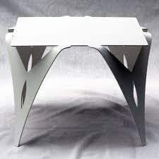 bout de canapé blanc table de chevet blanche bout de canapé blanc design métal