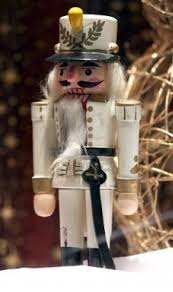 Nutcracker Soldiers Christmas Decorations by 159 Best Christmas Nutcrackers Soldiers Images On Pinterest