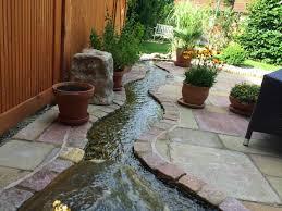 Gartengestaltung Mit Steinen Und Grsern Modern Formaler Garten Ideen Kugel Mitte Blumen Inselbeete